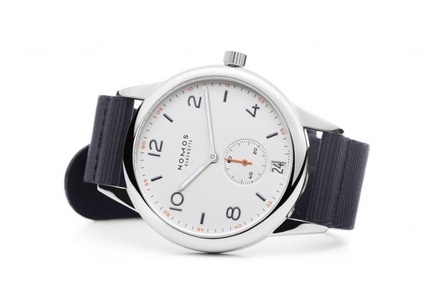 Nomos Club Automatic Date (ref 775) - on its side
