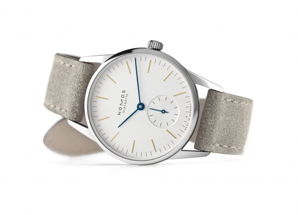 Nomos Orion 33 (ref 322/321) - on its side