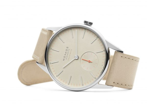 Nomos Orion Neomatik Champagne (ref 393) - on its side