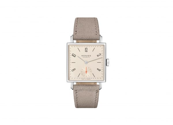 Nomos Tetra 27 Champagne (Ref 473) - showing strap